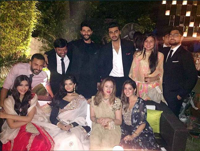Anand-Ahuja-in-Sonam-Kapoors-family-function